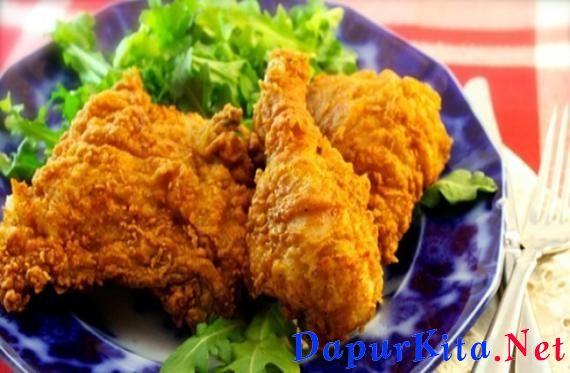 Bahan-bahan :1 kg ayam (potong 12 bagian)100 gram tepung beras 100 gram tepung tapioka (bisa juga menggunakan tepung terigu) Tepung ayam goreng siap saji (secukupnya) Kaldu ayam bubuk (secukupnya) Bubuk cabai (sesuai selera)BumbuG