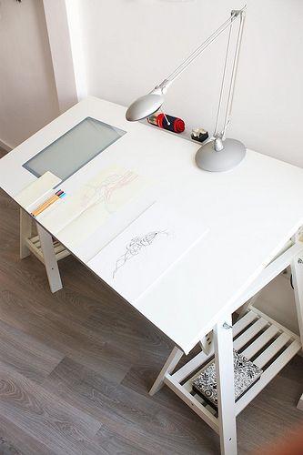 010072803 Estrenando mesa de dibujo
