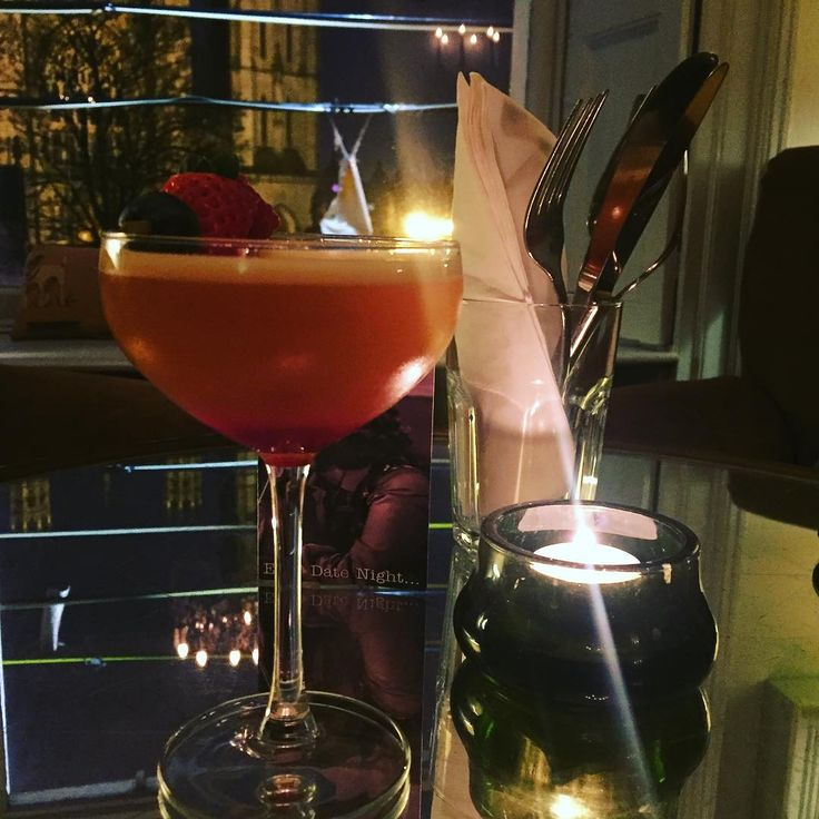 The Valent'eno Cocktail - spiced rum, triple sec, passion fruit,prosecco & grenadine.. Chin Chin Ladies  #eatateno www.eno.ie  #cocktail #5for25 #FridayTreat