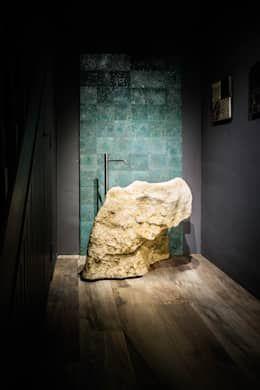 Naturstein und Holz: Das Bad mit natürlichen Materialien einrichten ...