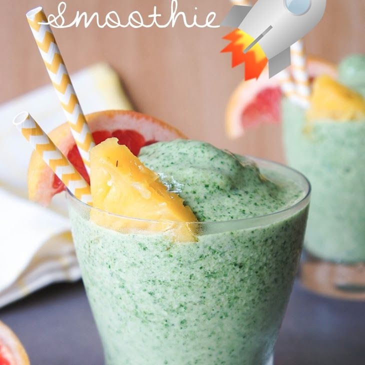 Metabolism Booster Smoothie Recipe Beverages with green tea, coconut milk, pineapple, bananas, grapefruit, spinach, ice cubes, whey