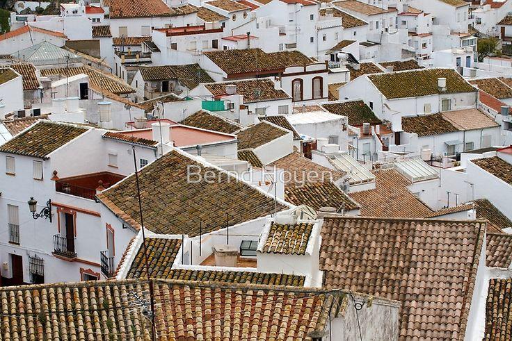 """casas de olvera"" von Bernd Hoyen #fotografie #photography #fotokunst #photoart #stadt #städte #city #cities #dach #dächer #roof #roofs #weiss #white #urban #stadtlandschaft #stadtlandschaften #cityscape #cityscapes #spanien #spain #andalusien #andalusia #olvera"
