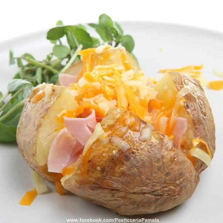 Pasticceria Pamela produce un ampia varietà di squisita pasticceria salata tradizionale.