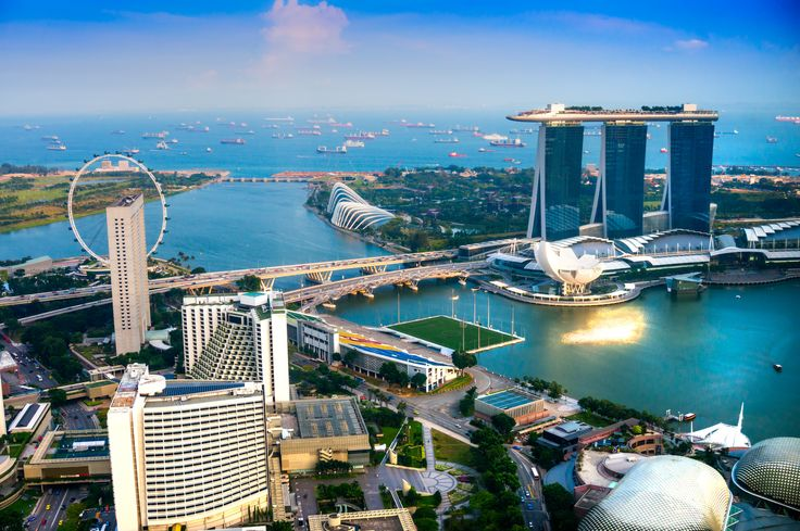 V roku 2014 predbehol Singapur Tokio a stal sa najdrahším mestom na svete. Pre porovnanie, napríklad autá sú tu 4- až 6-krát drahšie ako v Spojených štátoch.