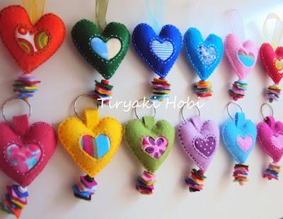 Felt magnet | Embroidery/Felt | Pinterest | Felt, Felt magnet and Felt crafts