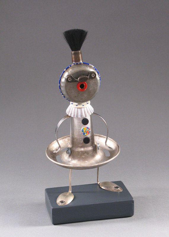 ROBOT SCULPTURE - Metal art sculpture Junk metal art - Marilyn McOoh