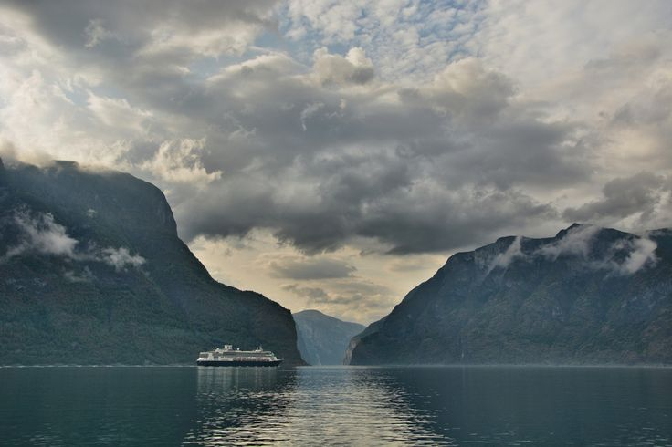 MS Rotterdam VI steams up Aurlandsfjorden
