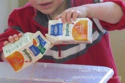 O is for orange juice water play by Teach Preschool