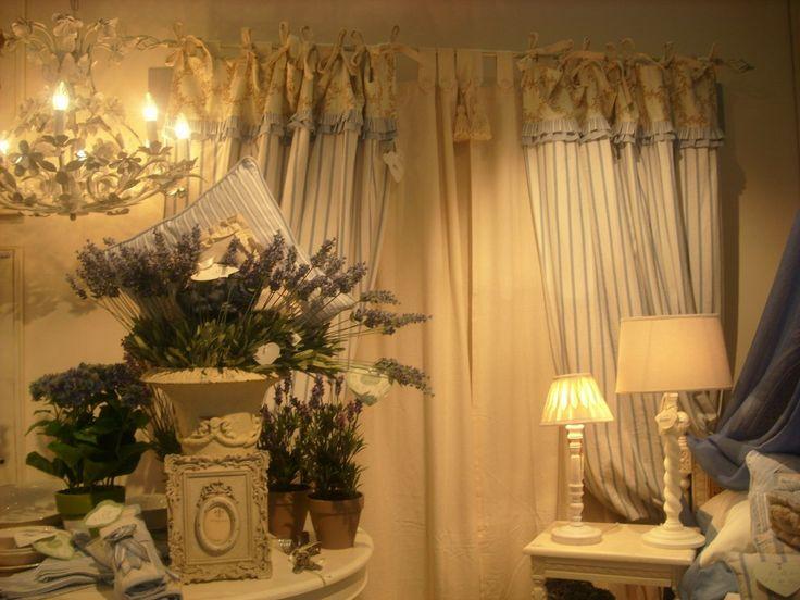 Intérieur style Shabby chic by Blanc-Mariclo décorez et meublez la maison chez AmbianceS d'interieur 2 place du 8 mai 1945 - 09000 Foix