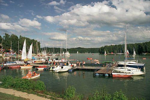Jezioro Solińskie - Przystań ośrodka Unitra