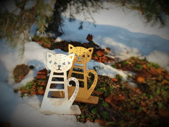 Check out this item in my Etsy shop https://www.etsy.com/listing/219859509/cat-jewelry-holder-cat-wooden-jewelry