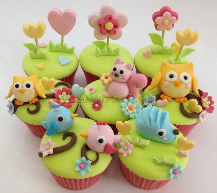 Beautiful meadow cupcakes! Great idea for garden party or kitchen tea. Pretty!