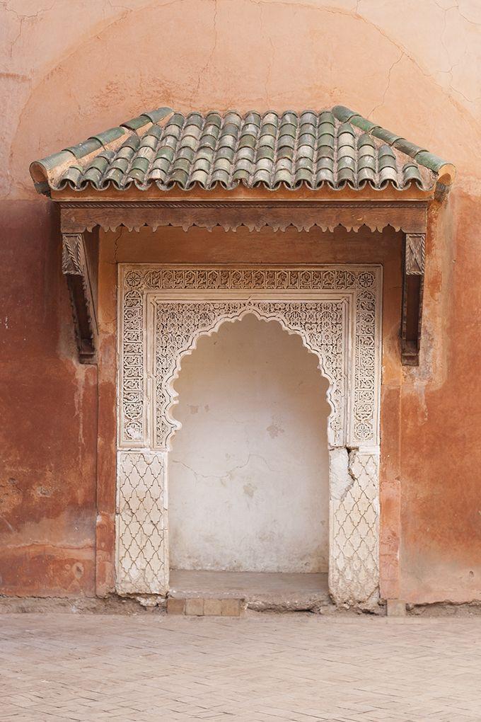 Op zo'n 4 uur vliegen van Amsterdam ligt de 'rode stad' van Marokko: Marrakech. Afgelopen week was ik samen met zuslief vijf dagen in deze stad van souks, rode muren – vandaar de bijnaam, moskeeën en handelaars. Het bezoek aan … Continue reading →