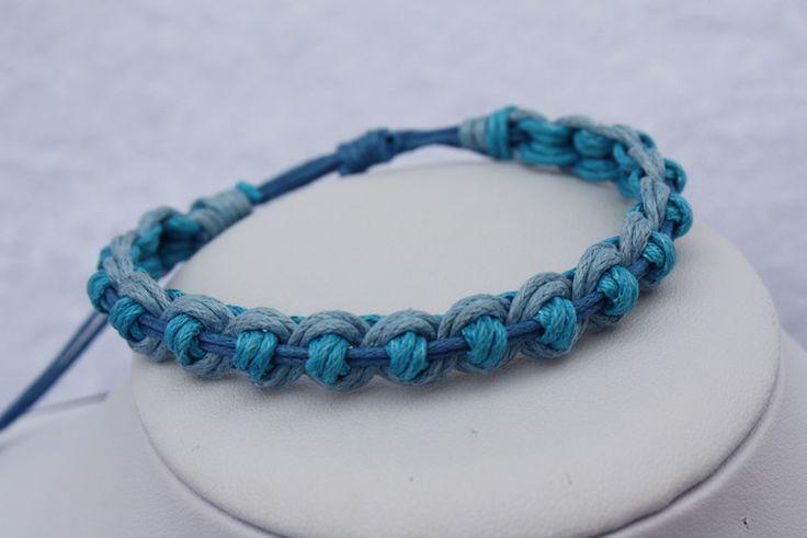 Flechtarmbänder - Makramee Armband blau hellblau  - ein Designerstück von trixies-zauberhafte-Welten bei DaWanda
