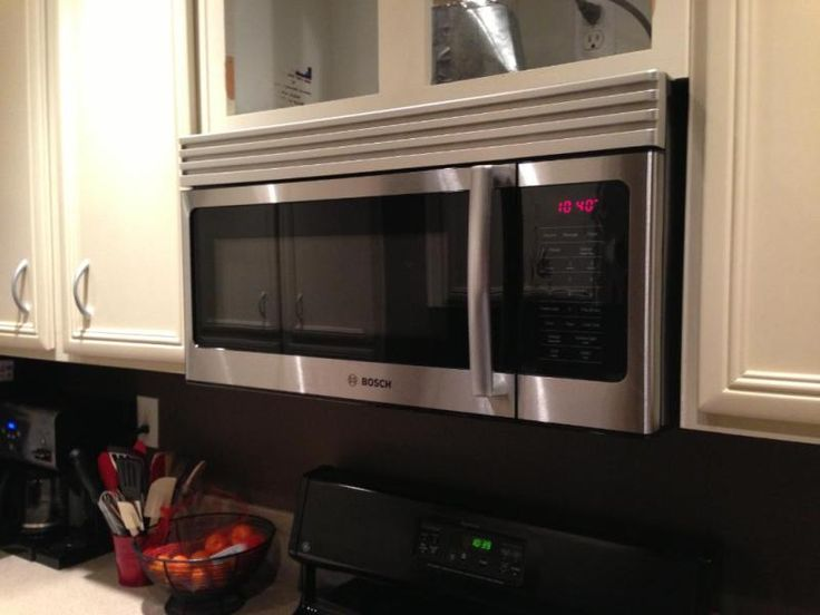 Bosch 300 120 Volts 1 6 Cu Ft Capacity Over The Range Microwave With Convertible