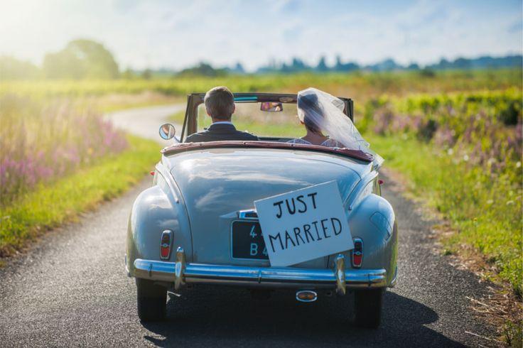 Eine besonders stilvolle Idee ist es, Sticker, Aufkleber und Etiketten für Hochzeit mit Foto oder dem Hochzeits-Logo des Brautpaares