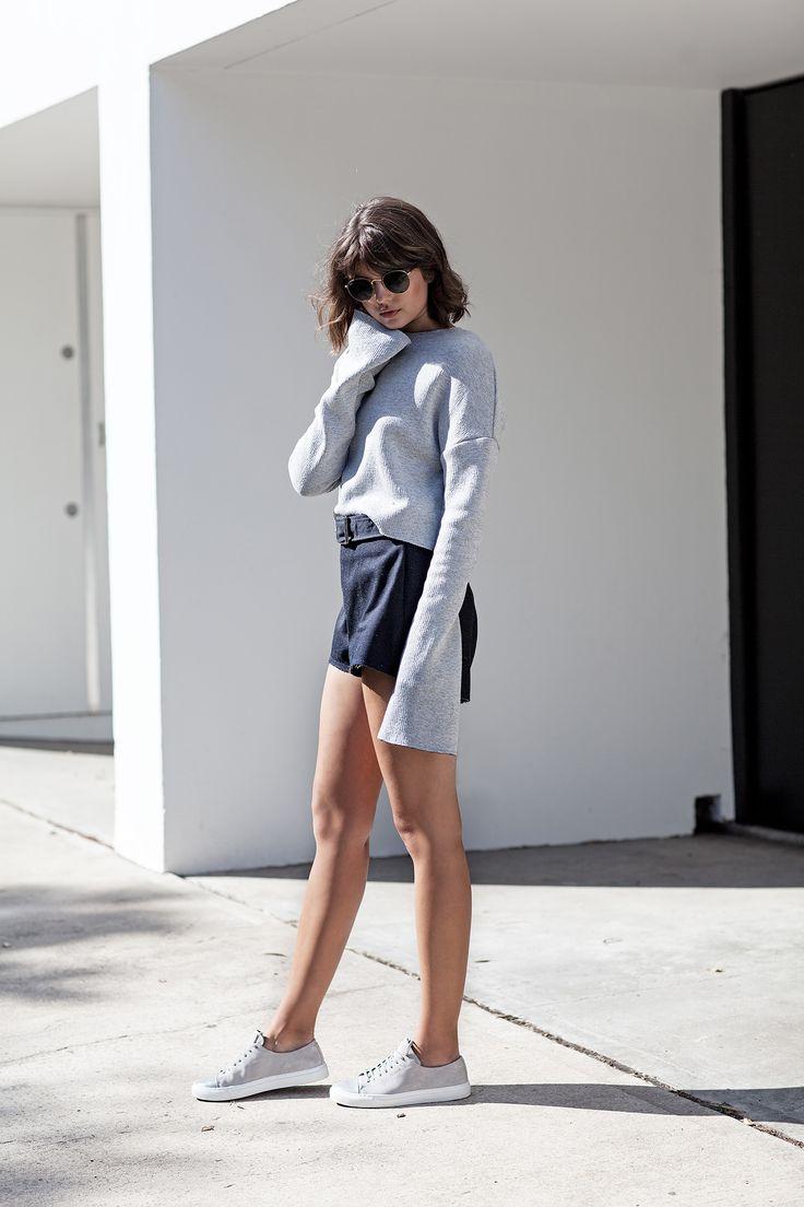 Vogue Australia blogger Tailsa Sutton in Axel Arigato grey cap-toe sneakers https://axelarigato.com/usd_women/cap-toe-96007 #axelarigato