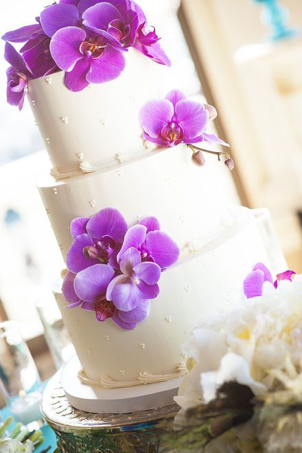 White wedding cake with purple flowers | Liz Caruana Photography @Liz Caruana Weddings