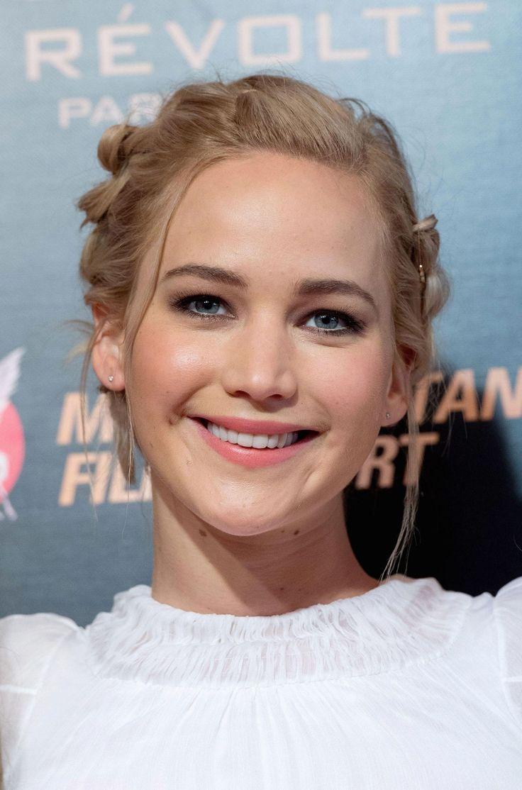 Jennifer Lawrence attending The Hunger Games Mockingjay Paris PREMIERE - November 9/2015