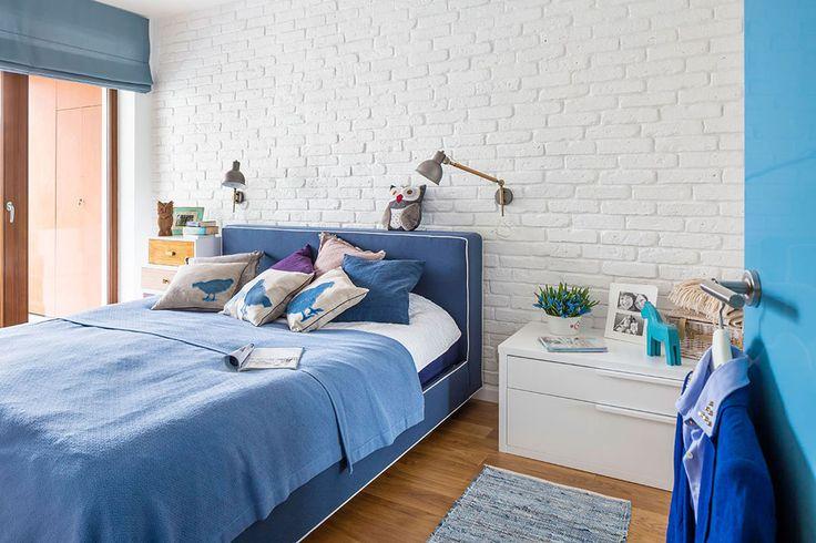 blue&white bedroom