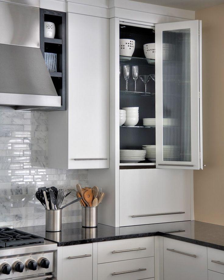 Türsysteme Küchenoberschränke Falttür Glas Weiße Küche Edelstahl Griffe.