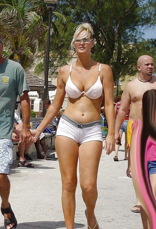 Buxom moms wearing bikinis