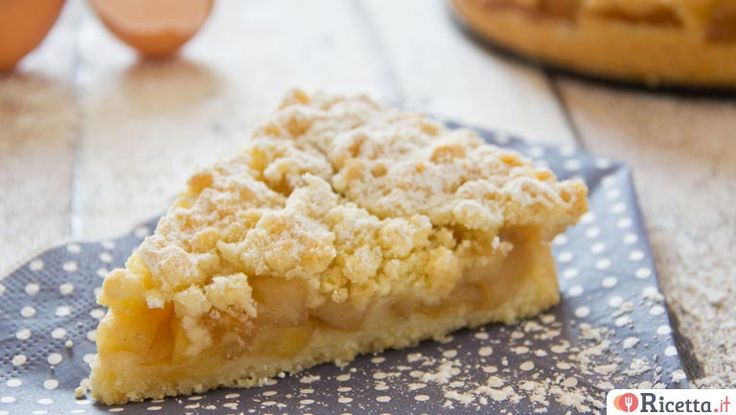 La torta di mele sbriciolataè unaversione speciale della classicatorta di mele. E'facile e veloce da preparare ed èsimile ad una crostata con una farcitura di mele cotte unite ad un pizzico di cannella. Per scoprire tutti i segreti di questa golosa torta di melesbriciolata non perdetevi la nostr