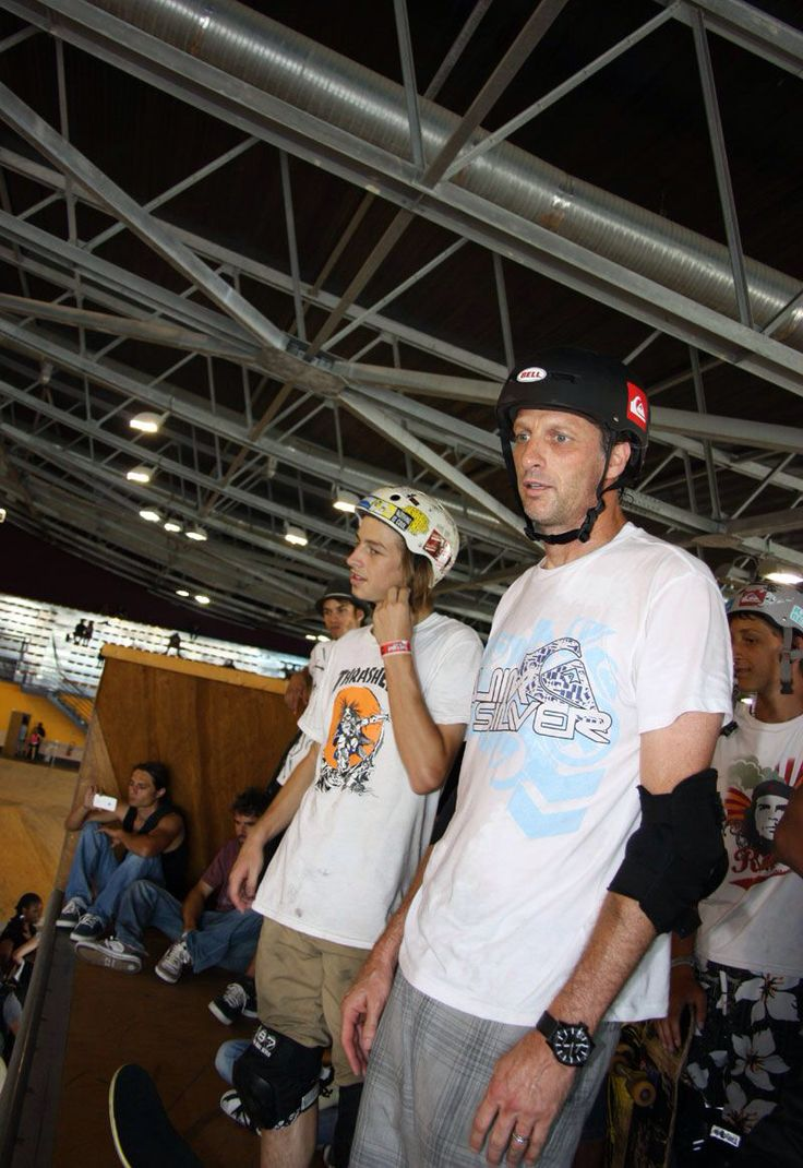 Image from http://www.brolive.org/photo_gallery/photos-skateboarder-8/Tony_riley_hawk_marseille.jpg.