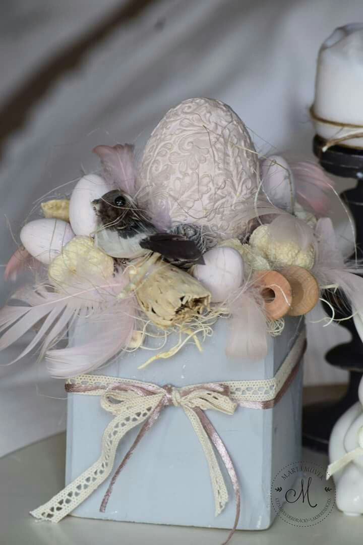 Pastel easter decoration.