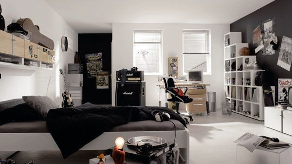 ...is an example of where [if you can't get a black desk/wardrobe] then you can still have a near-black wall behind that looks nice and crisp to coordinate with some black bedding or something.