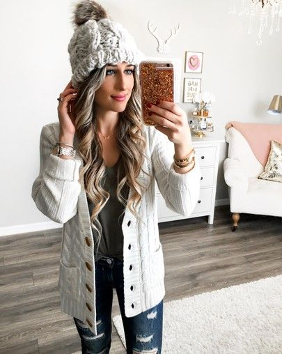 Heading somewhere chilly and I can't wait to wear this beanie!! I love the chunky knit—it's only $22!! This cardi is a new fav and it's under $50–I sized up to a medium for a looser fit! Outfit details in my bio! http://liketk.it/2t3IB #liketkit @liketoknow.it