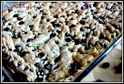 The Mandatory Mooch: Lazy Day Cookie Cake