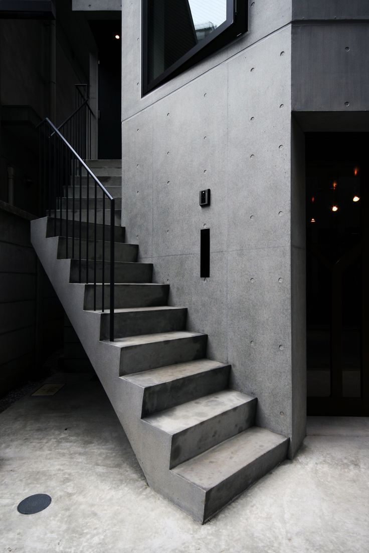 Tower house in Shibakouen by S.O.Y.LABO.