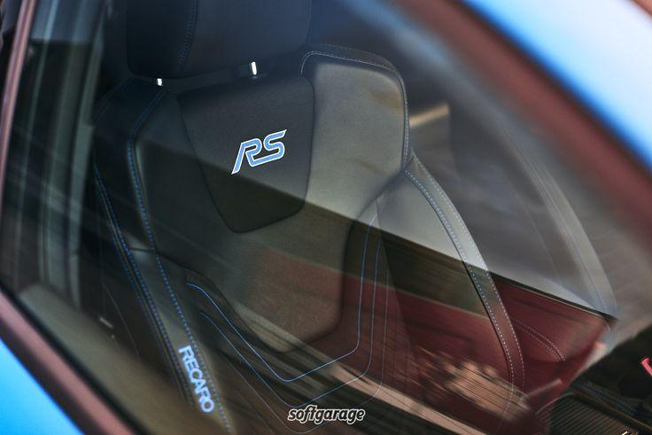 Ford Focus RS, blau, Sportsitze   https://www.softgarage.de/