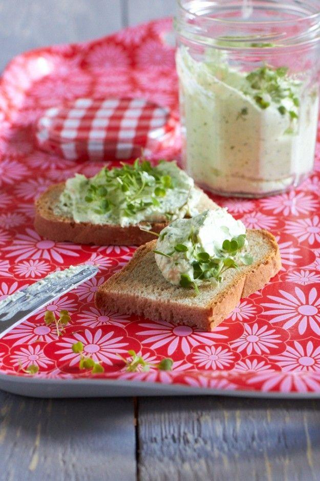 Schafskäsedip Partyrezept mitbringen Buffet http://www.tastesheriff.com/, auch die Kommentare für Tipps lesen... *lecker*
