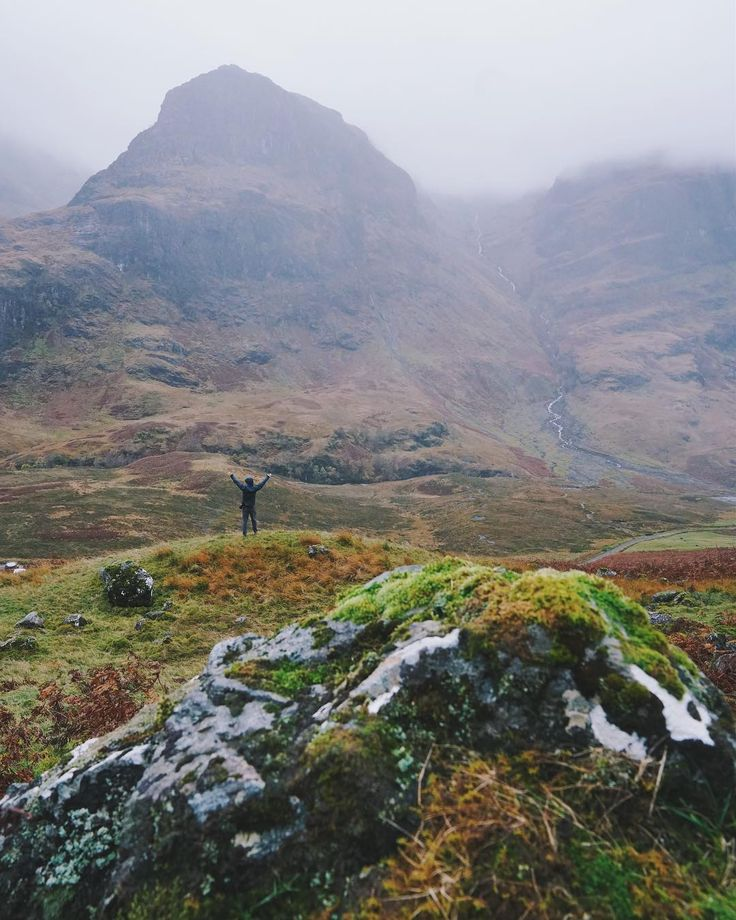 The enormity of The Three Sisters in Glen Coe is difficult to capture in picture form. It requires a full frame camera like my Sony a7R II and a wide lens or the capture of a panorama image. I did capture a pano this time and Ive shared it in my latest blog post which you can find via the link in my profile. But this Photo essentially shows just one & a half of the sisters. To capture it @dante.vincent & I crossed to the far side of the road from where the parking lots are hiked up the side…