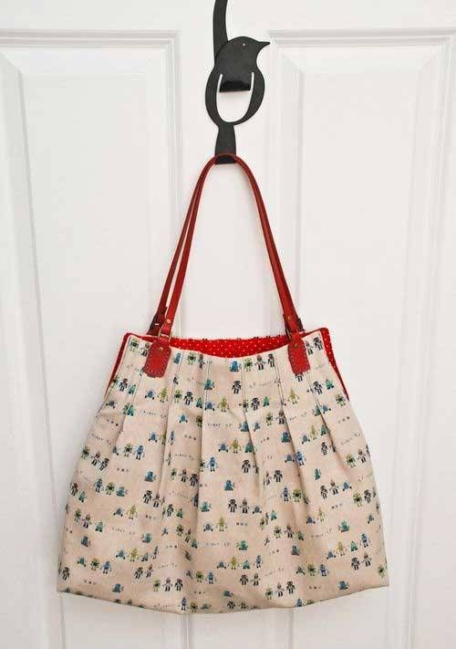 This bag is large and roomy and is perfect to use as a market bag, or an everyday tote bag.