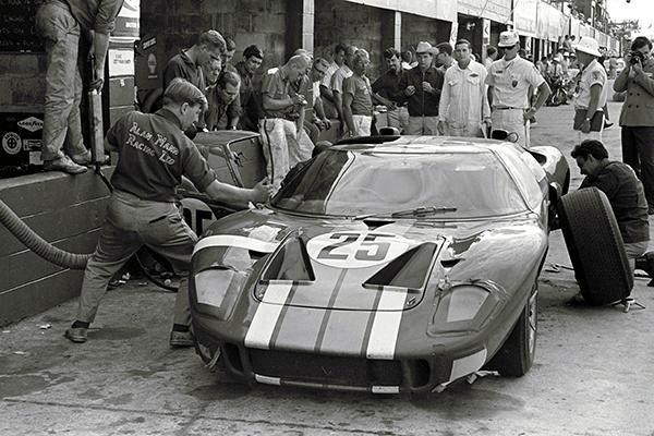 1966 Sebring Ford Gt40 Alan Mann Racing Photo Poster Ford Gt40 Racing Photos Ford Gt