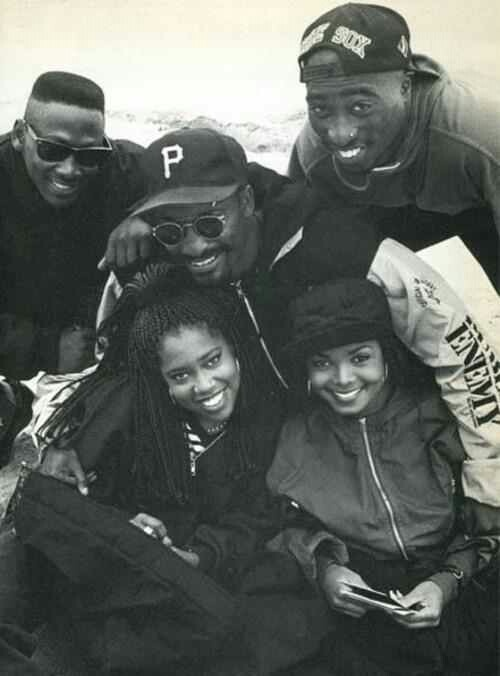 The cast of 'Poetic Justice' (Joe Torry, Regina King, Janet Jackson & Tupac Shakur) with director John Singleton.