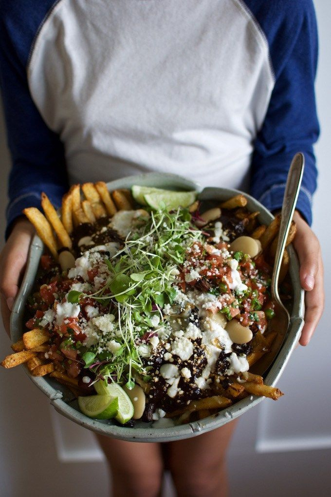 Loaded Black Mole Braised Beef Fries Recipe. Loaded fries recipe. Carne aside fries recipe. braised short ribs recipe.