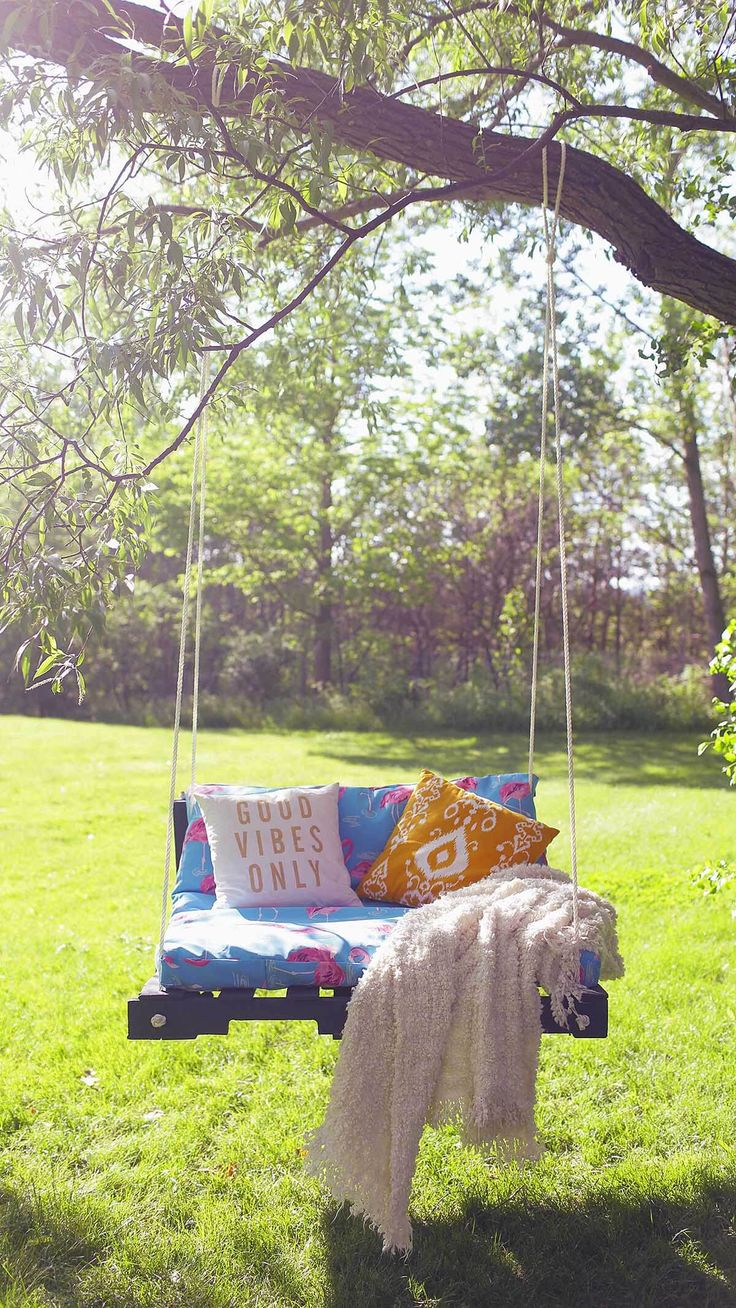 25 best ideas about tree swings on pinterest garden for How to make a pallet swing