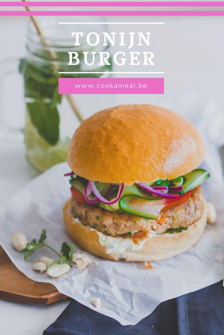 Makkelijk te bereiden, snel klaar, gezond, zomers en met een knipoog naar de Oosterse keuken: ik stel jullie voor aan dé tonijnburger. www.cookameal.be #tonijnburger #tunaburger #cookameal