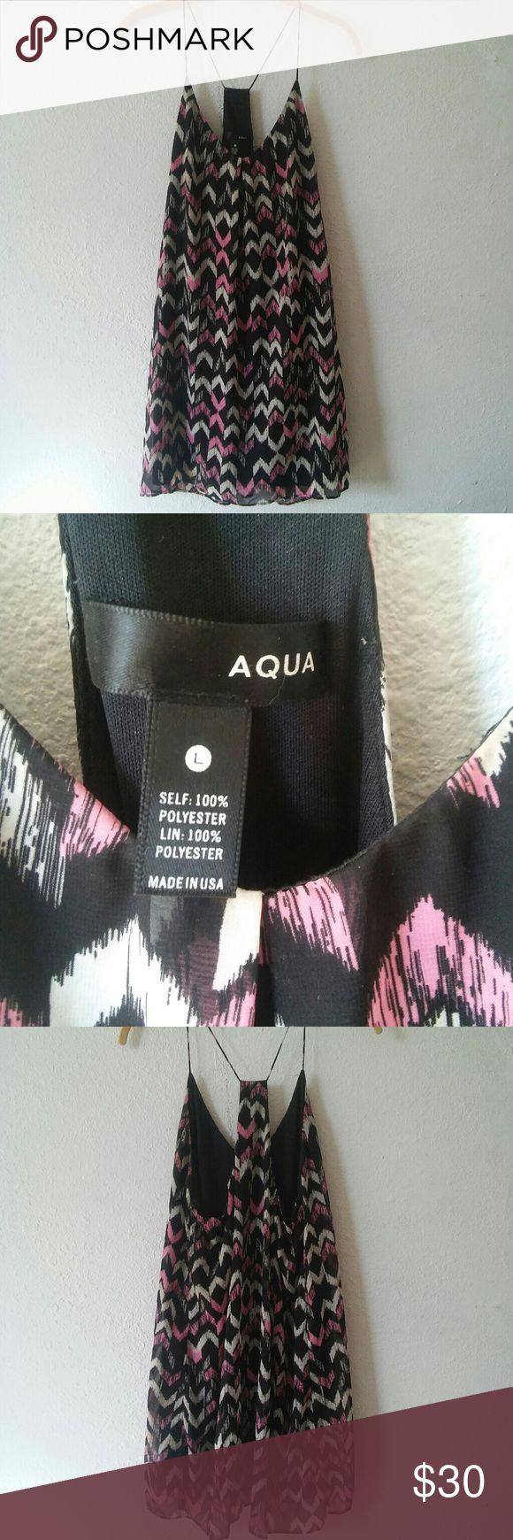 🆕 Aqua Chevron Top Pink, beige, and black racerback top * Brand Aqua * Size L * In excellent condition * Offers accepted! Aqua Tops Tank Tops