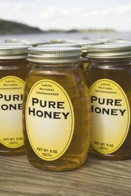 What Are the Differences Between Raw, Pure & Natural Honey?