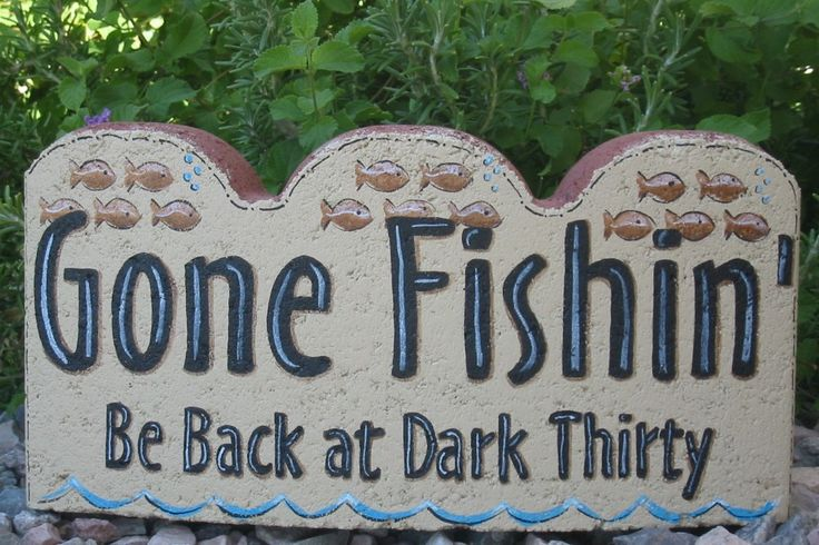 Gone Fishin Be Back At Dark Thirty Small Scallop Stone Concrete Art