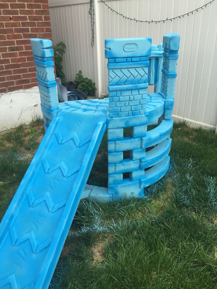 elsau0027s castle light blue dark blue spray paint diy