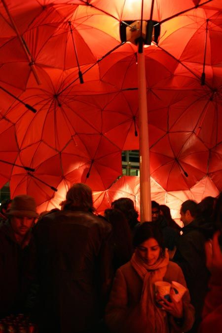 i wish i was there!    'brella bar [bucky's bar by dus architects]