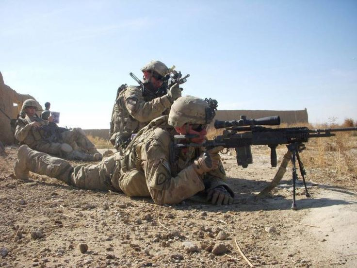 Cavalry officer inspires soldiers during