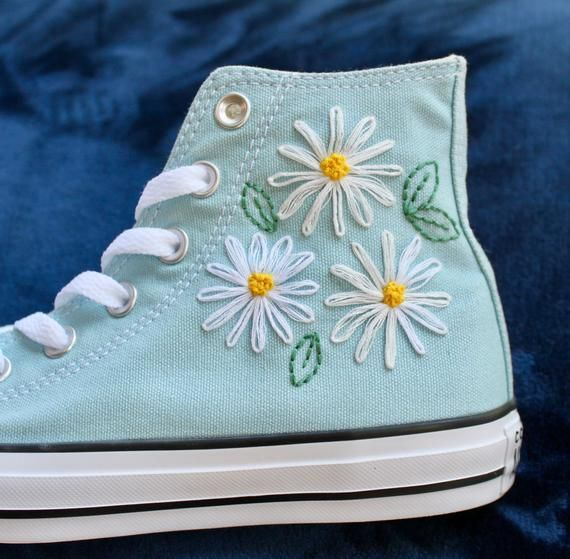 Daisy Embroidered Converse | Embroidery shoes, Embroidered