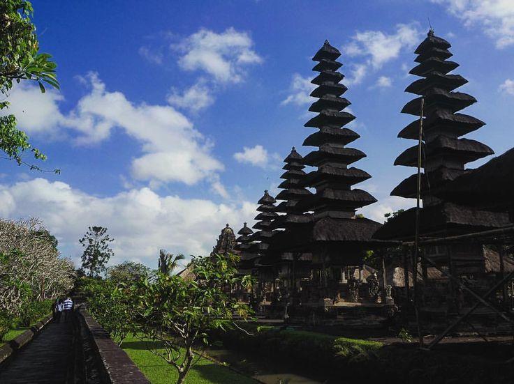 Amazing landascape in Bali!😍 Always with her @la.fracchia ❤️ #thebalibible #baliguidelines #balibucketlist #explorebali #bali #balidaily #thebaliguru #travel #theasiacollective #balicili #baliadvisor #liburanbali #visitbali #baliisland #openmyworld...